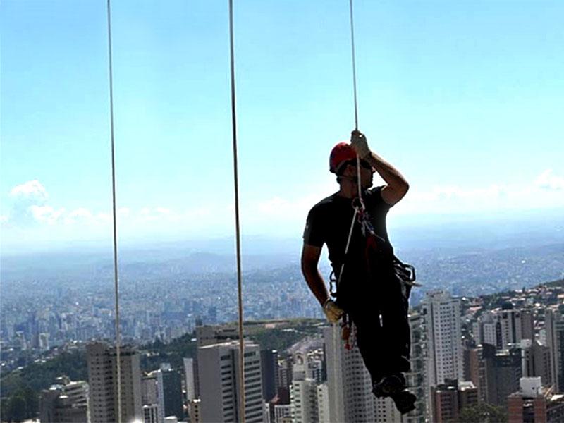 O que preciso para praticar esporte de aventura? É seguro?