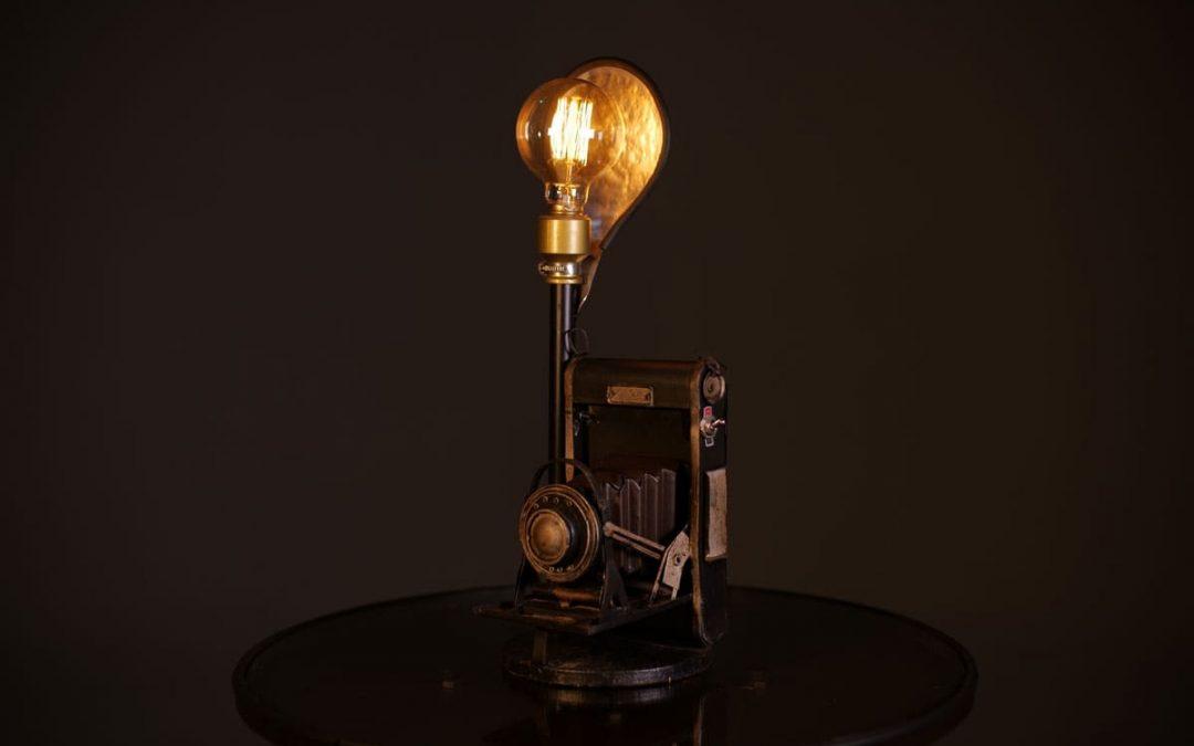Luminária Retrê Looplighting